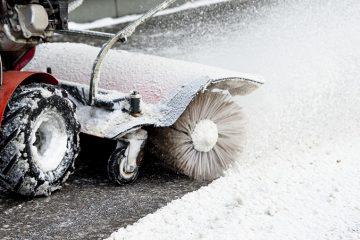 برف و یخ برداشتن